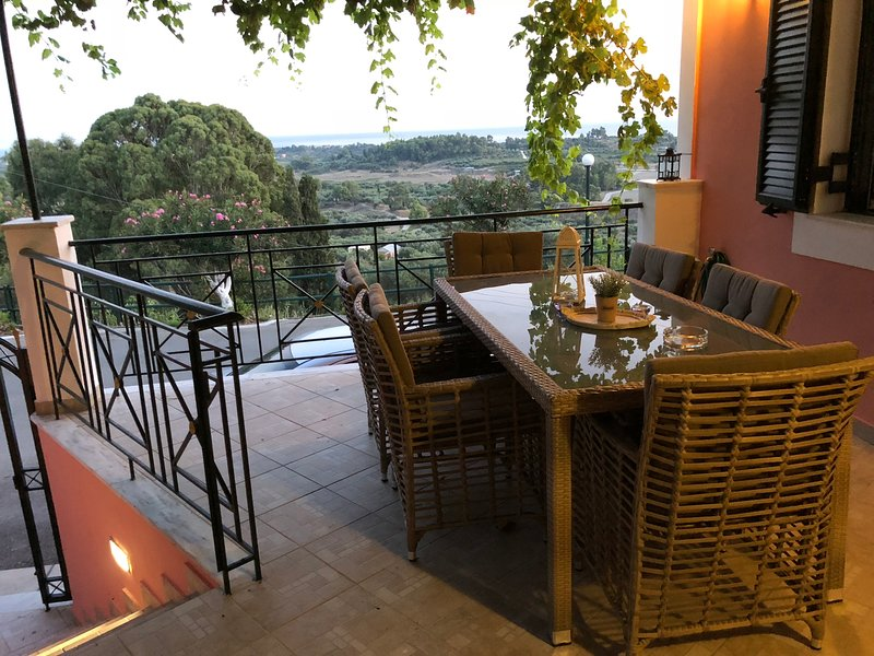 Veranda MK  amazing view, holiday rental in Kounopetra