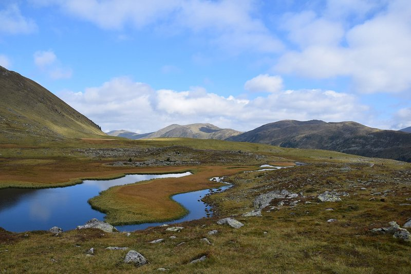 Hiking and Mountain climbing... Lake Rosanin