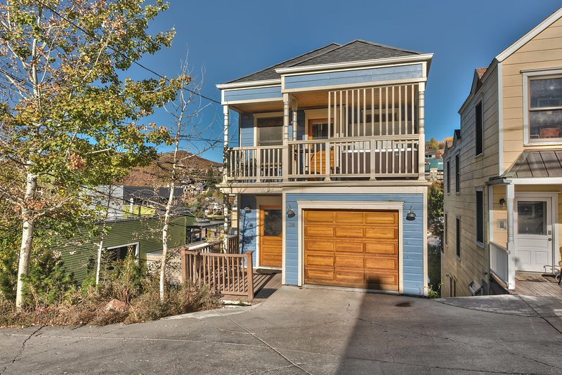 Park City Old Town Charm - 3 Bedrooms 3.5 Bath with Hot Tub - Walk To Main Street