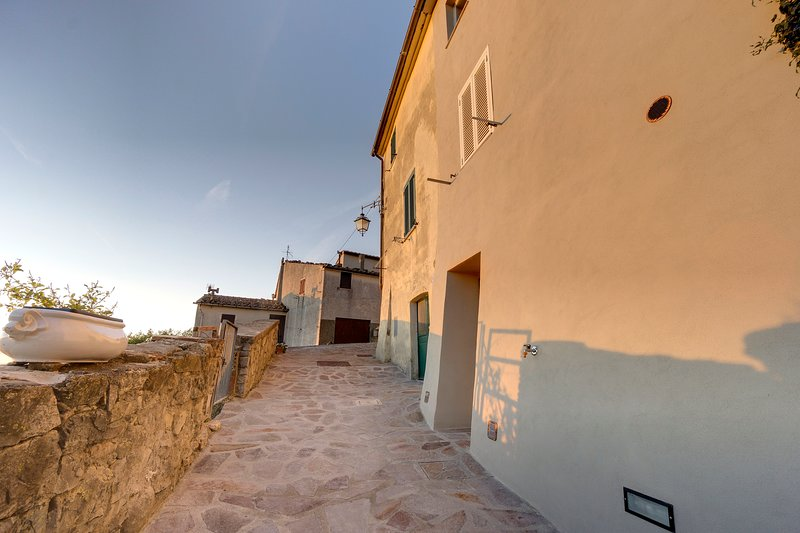 'THE RETREAT' a ROMANTIC DOUBLE BEDROOM in MAREMMA, CANA, holiday rental in Cana