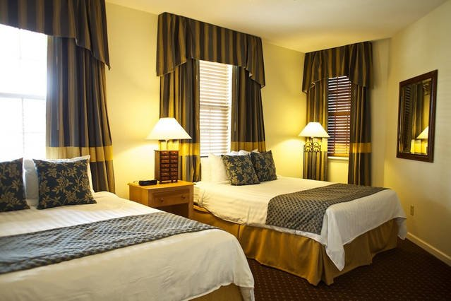 Governor's Green Resort 2 Bedroom w/ mini golf, playground, 2 pools, 3 hot tubs, vacation rental in Williamsburg