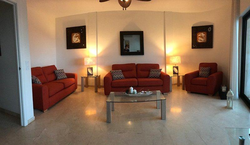Lounge mit Meer- und Strandblick auf Los Boliches