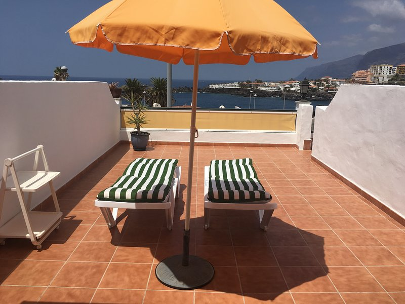 Wonderfull sea front apartment, holiday rental in Playa de la Arena