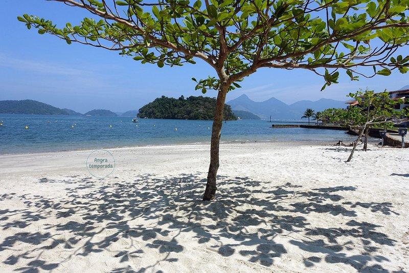 Confortável AP em condomínio com 3 praias em Angra dos Reis, casa vacanza a Angra Dos Reis