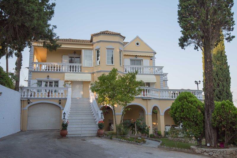 Villa Theodora on the beautiful Greek island Corfu, holiday rental in Achilleio