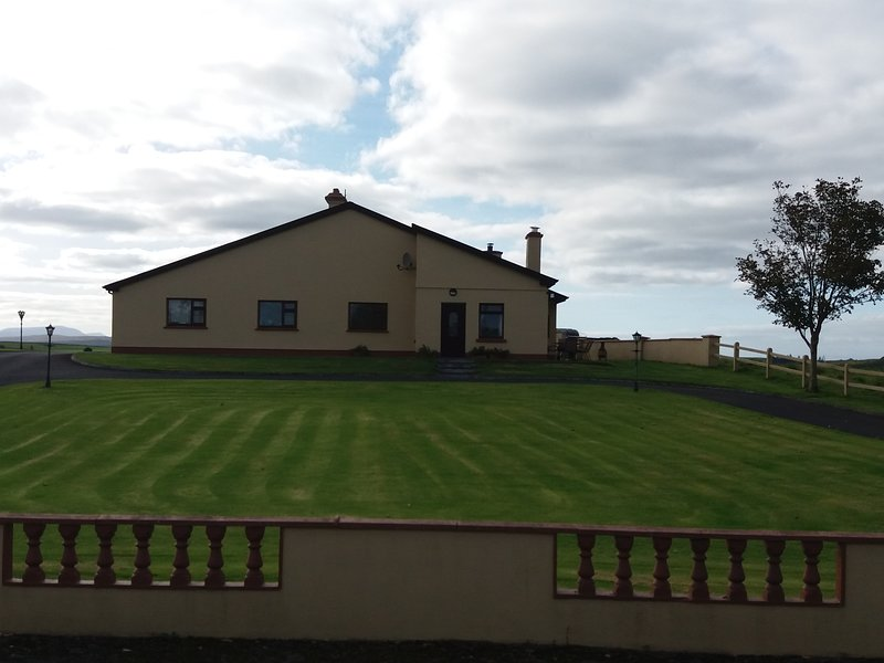 Helens Self Catering, holiday rental in Ballyvary