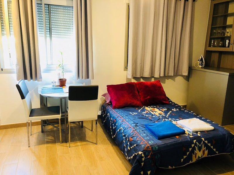 Holidays Appartement Porte De Clichy Has Internet Access And Air
