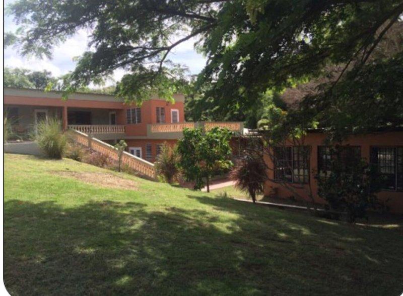 Isla Hermosa Guesthouse, holiday rental in Puerto Diablo