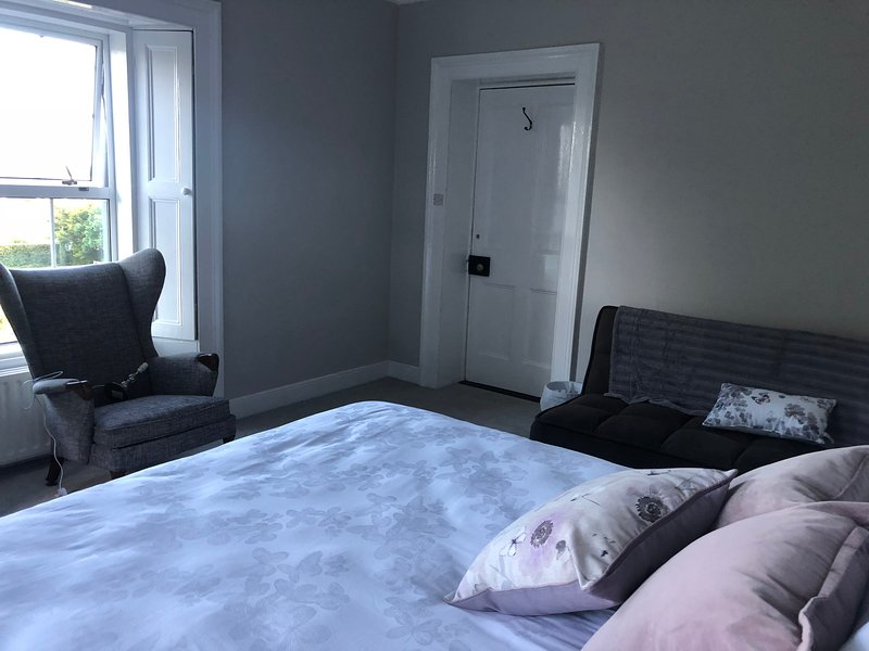 Family room king bed, single and sofa bed available on request
