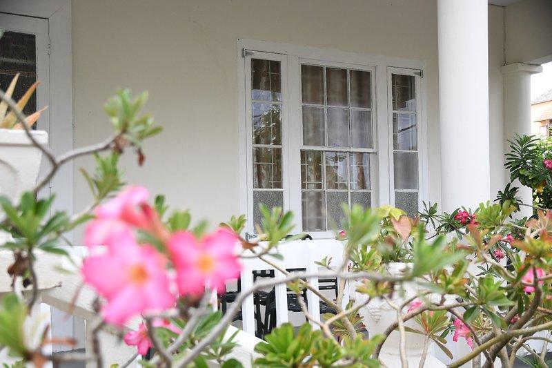 Chadville Beach House - Amplia terraza cubierta