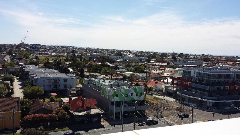Uitzicht vanaf het balkon op de Bell Street