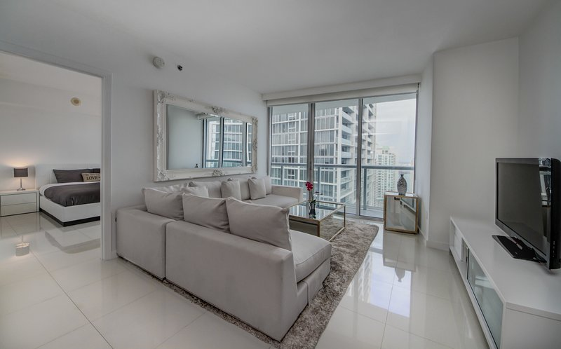 01137MIAMI'S BEST NEW CHARMING2 BEDS/1B, vacation rental in Miami