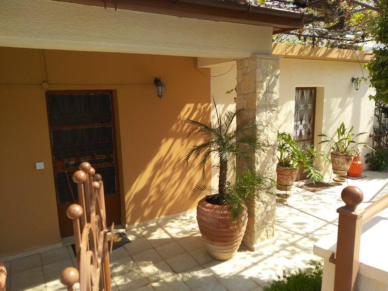 Patriko Village House, holiday rental in Anoyira