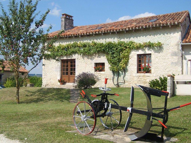 Le Cottage, Le Manoir de Longeveau, holiday rental in Petit-Bersac