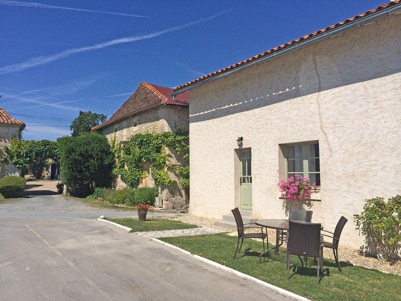 Maison Micheline, Le Manoir de Longeveau, holiday rental in Petit-Bersac