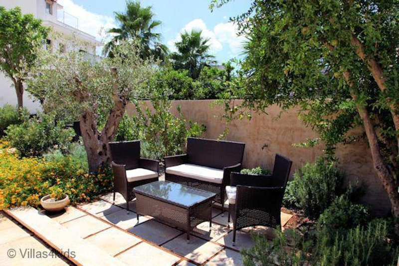 The Courtyard - Lilly, vacation rental in Nociglia