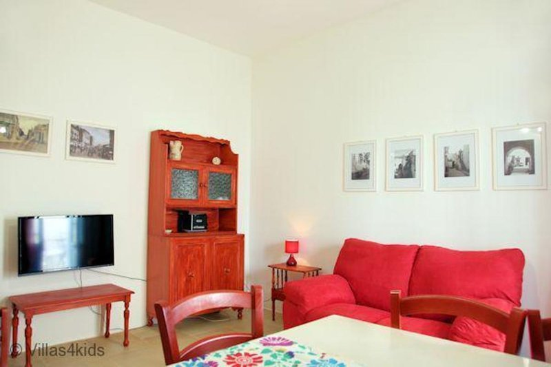 The Courtyard - Rosa, vacation rental in Nociglia