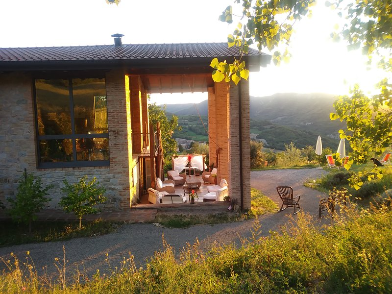 Alleluja Country House Agriturismo B&b con Ristorante,Piscina e Spa Parma, vacation rental in Gropparello