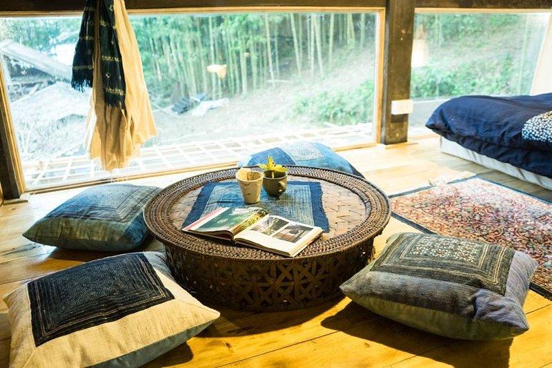Mesa de té en el interior.
