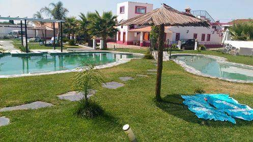 Beautiful house with shared pool, location de vacances à Portel