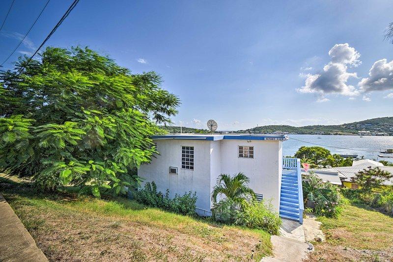 Tropical Oasis w/Bay Views ~2Mi to Playa Sardinas, vacation rental in Culebra