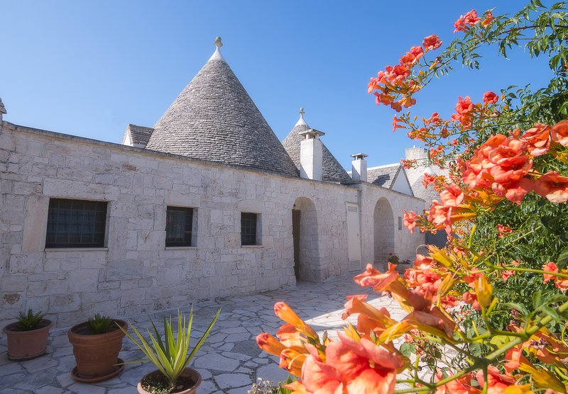 Trulli- entrata secondaria