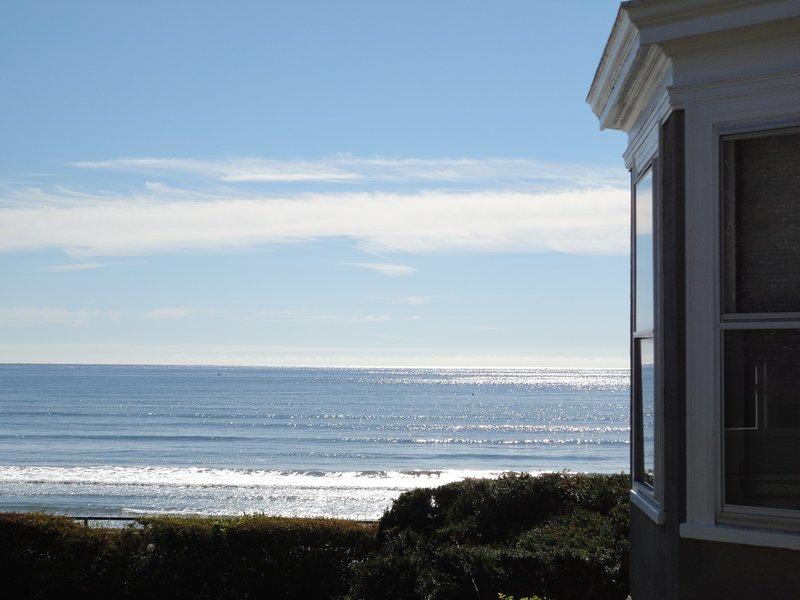 Vista dal ponte privato (finestre del soggiorno con vista sull'oceano sulla destra)
