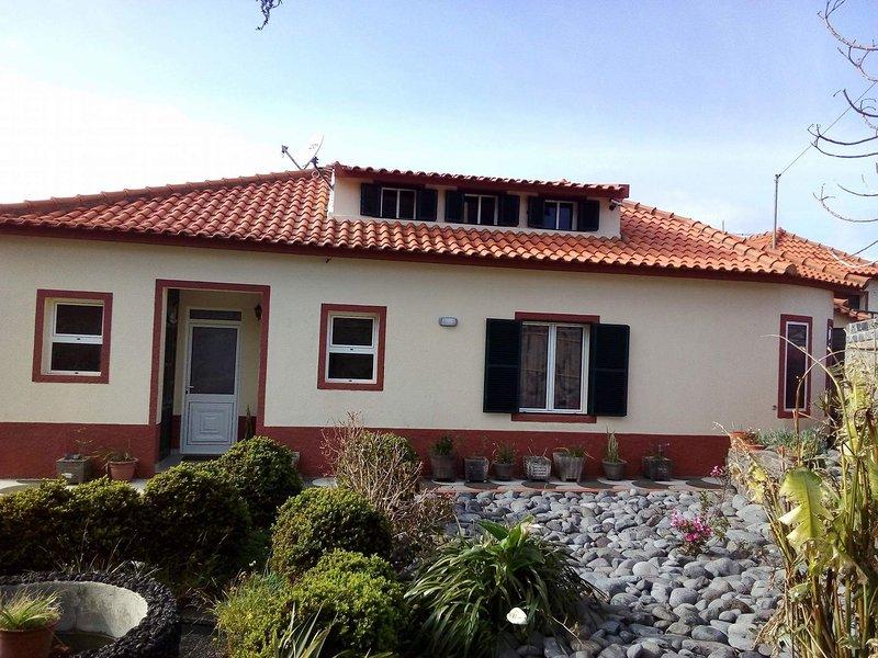 Casa dos Cabeços - Alojamento Local, holiday rental in Porto Moniz