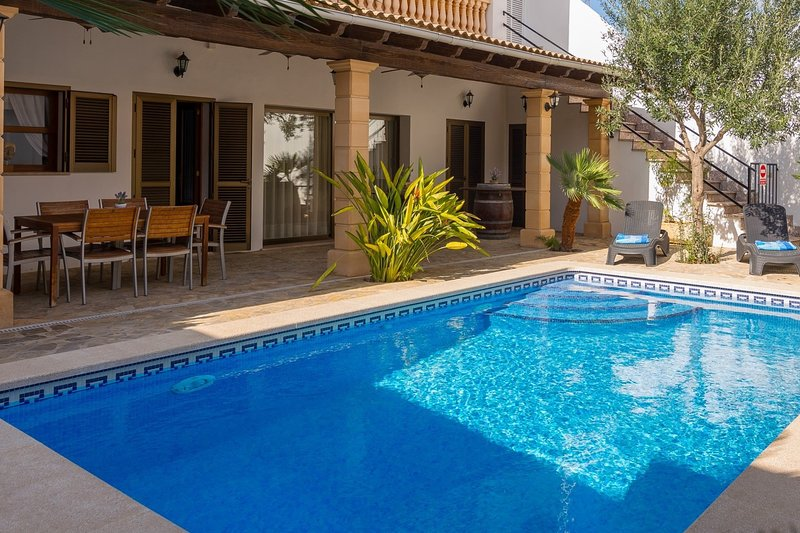 Can Gabriel, para 6 personas, piscina privada y barbacoa, holiday rental in Majorca