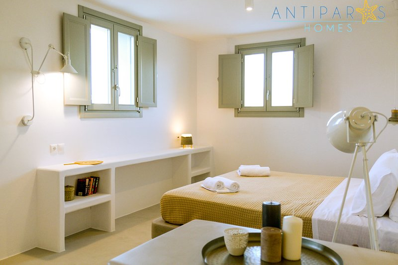 Antiparos Homes - Elegant Villa B, location de vacances à Antiparos Town