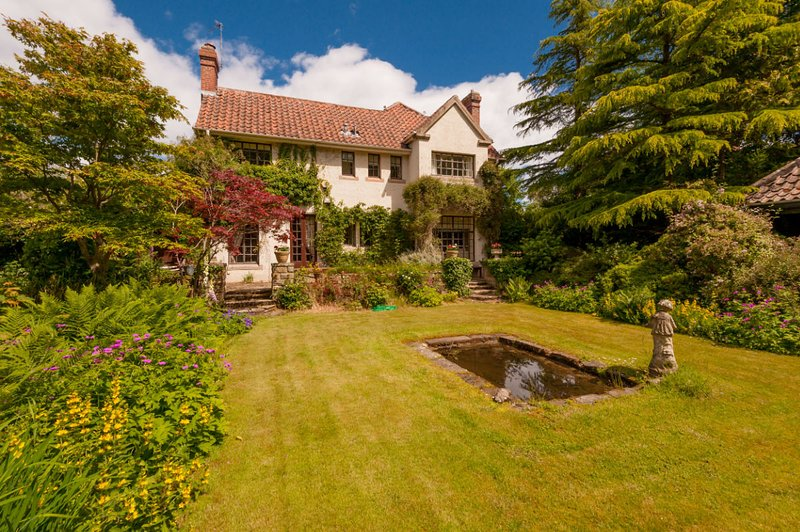 Cryanreuch, 3 Windmill Rd, St Andrews - Stunning House - 5 mins from Old Course, holiday rental in Strathkinness