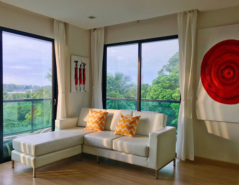 Wow 2 Br Apt Seaview, Pool, Gym, walk to beautiful Nai Yang Beach, casa vacanza a Sakhu