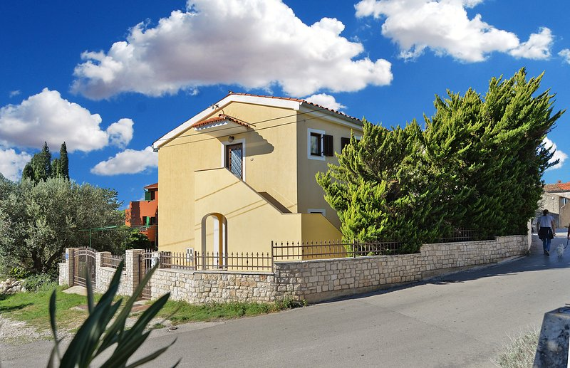 House 9452, holiday rental in Premantura