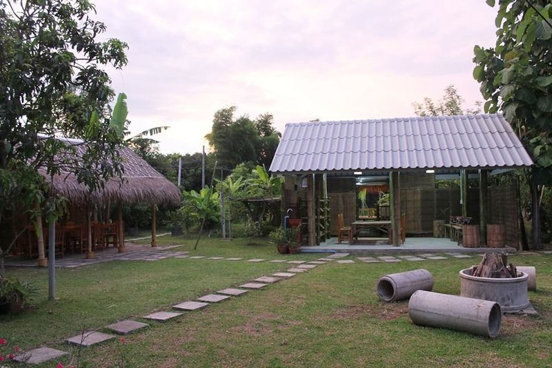 Love Chiang Mai Cooking School Stay, holiday rental in Lamphun