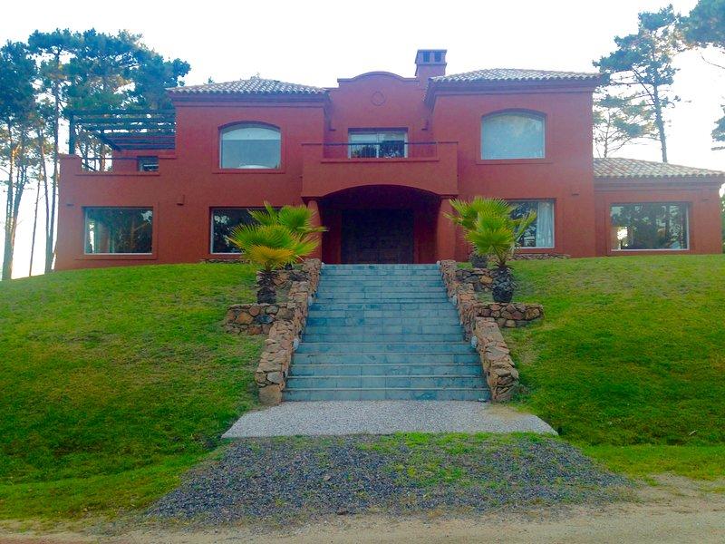PRIVATE COMUNNITY HOUSE LAGUNA BLANCA, holiday rental in Punta del Este