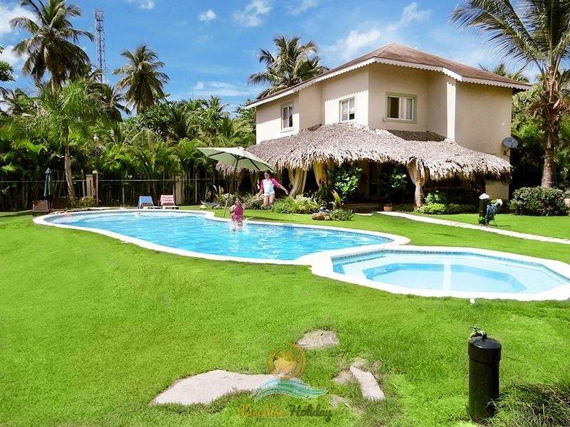Villas Mares Residence Playa Bonita Paradise Holiday LT, casa vacanza a Sanchez