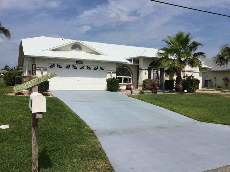 Canal View - Cape Coral, holiday rental in Cape Coral