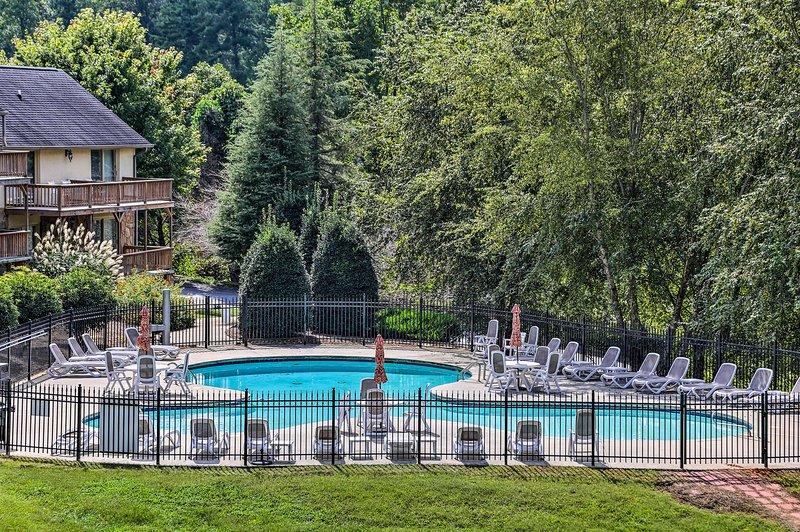 Con l'accesso a 2 piscine, un campo da golf, e più questa casa è veramente a 5 stelle.