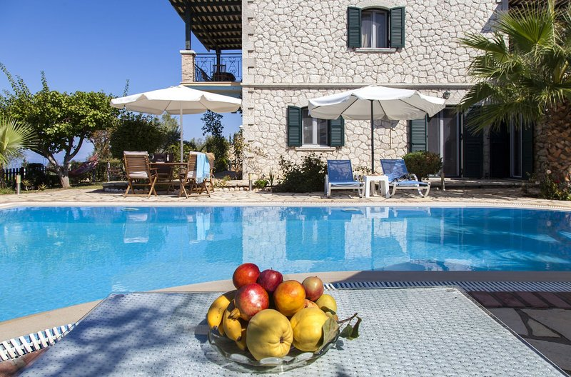 Super Offers: Family Style Villa Aliki With Private Pool &Amazing, holiday rental in Tsoukalades