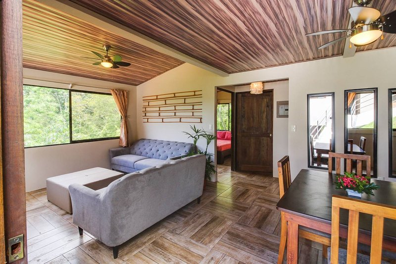 Valley of Dreams  Lodge 4, holiday rental in Platanillo