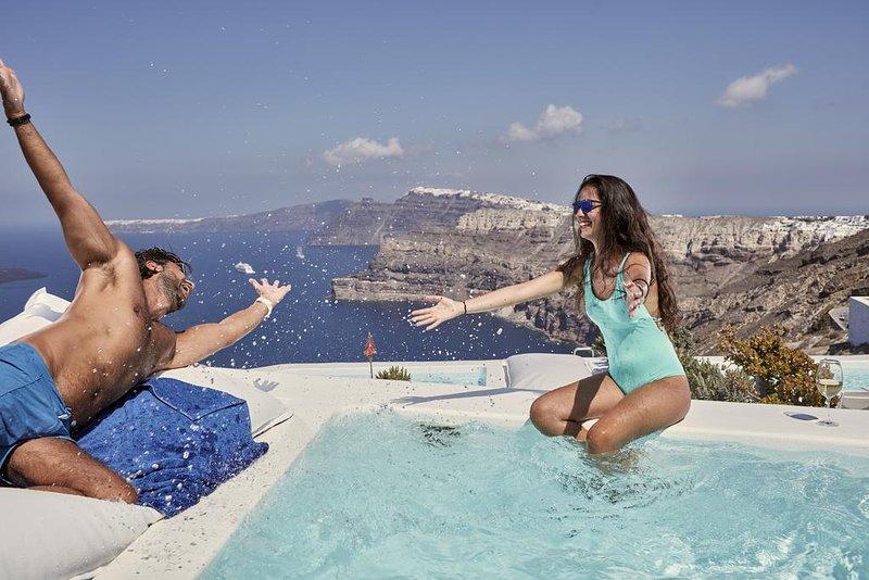 Alti Santorini Suites (Infinity Suite with Sea View), location de vacances à Megalochori