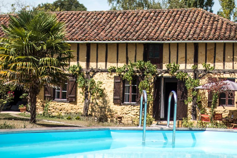 GITE POUR 4 PERSONNES CAMPAGNE GASCONNE PROCHE MARCIAC, holiday rental in Aignan