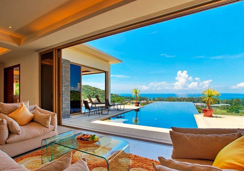 Hilltop Wow 4br Seaview Pool Villa Naithon Beach, vakantiewoning in Nai Thon
