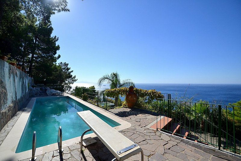 Marina di Salerno Villa Sleeps 12 with Pool Air Con and WiFi - 5228279, vacation rental in Erchie