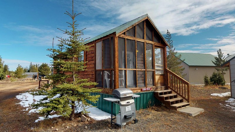 This cute cabin is perfect for a couples getaway or a small family.