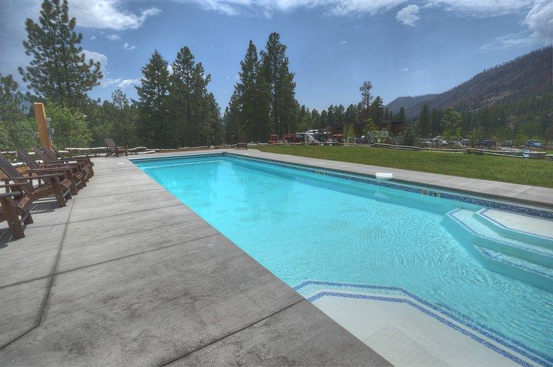 Piscina en el condominio de vacaciones Tamarron Lodge entre Durango Colorado y Purgatory Resort