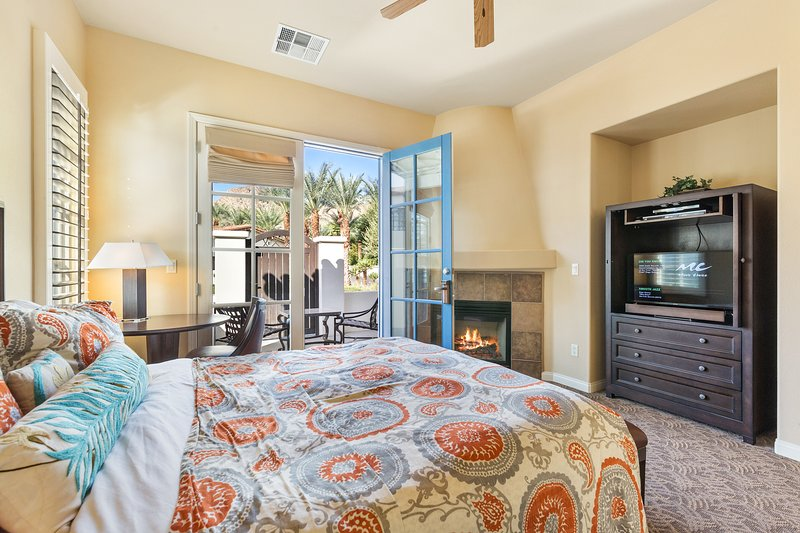 (C68) Best Location! Single Story Villa w/ Garage, holiday rental in La Quinta