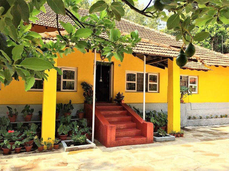 Guddadamane Homestay - Bungalow, holiday rental in Hanbal