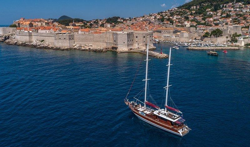 Luxury yacht - Gulet - Adriatic Holiday - Dubrovnik - Croatia, vacation rental in Dubrovnik