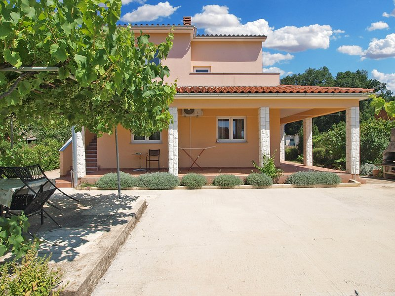 Apartment 16140, holiday rental in Valbandon